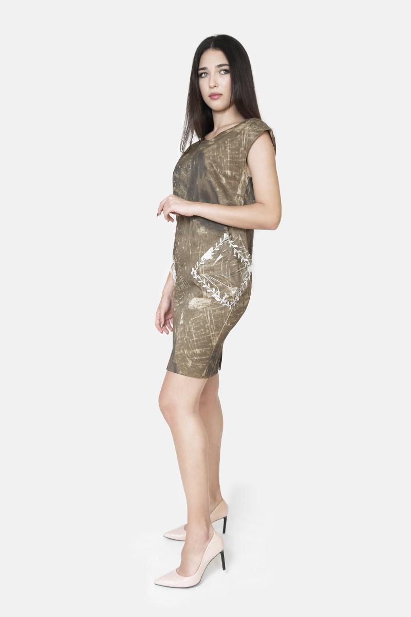 Sukienka z foliowymi kieszeniami