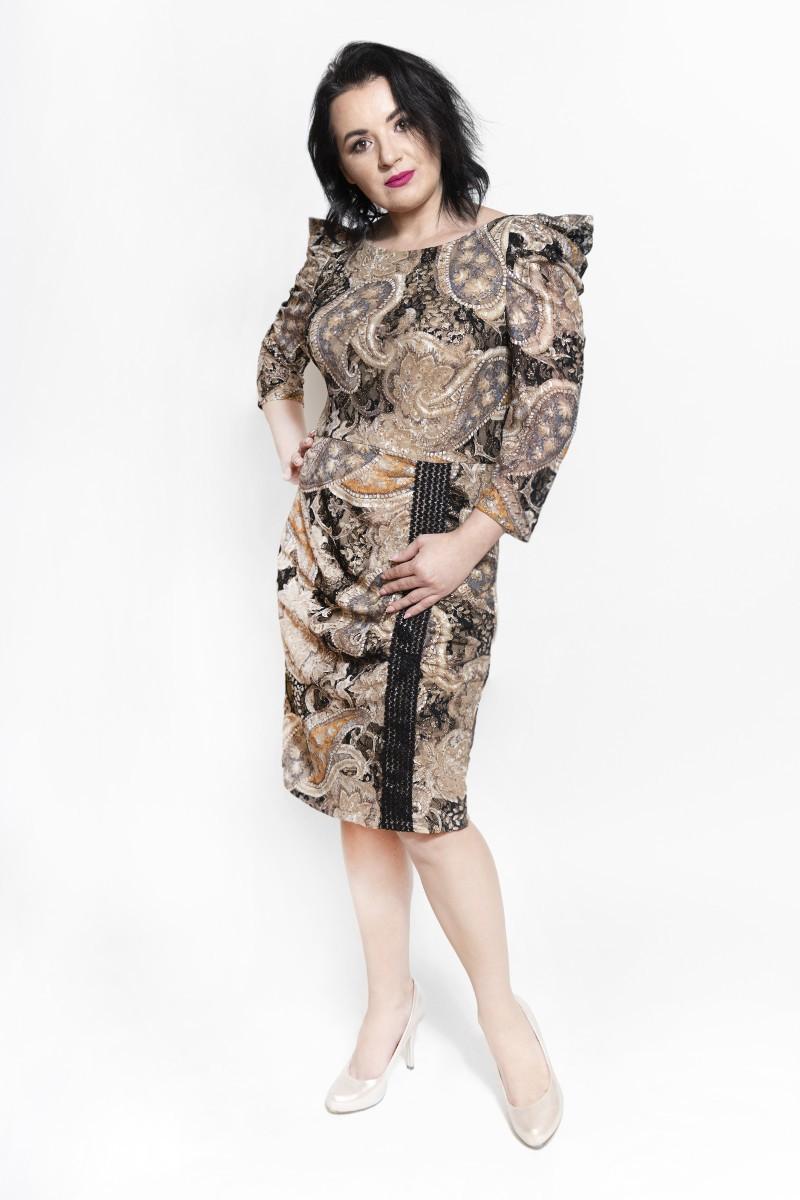 Sukienka z koronki złota